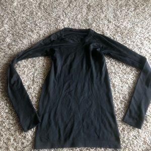 Lululemon Swiftly Long Sleeve Top on Black Size 4